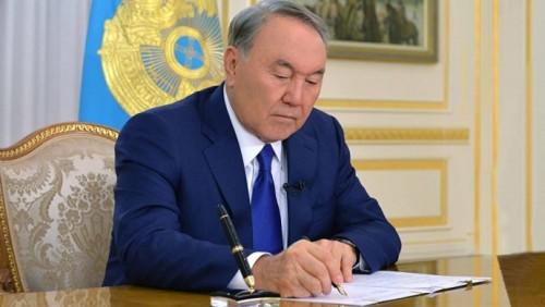 Назарбаев выразил соболезнования семьям погибших в авиакатастрофе под Москвой