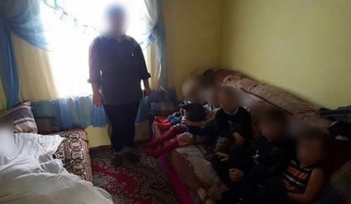 «Родила бы еще двоих»: Мать и ее восемь детей зимовали без угля и продуктов под Талдыкорганом
