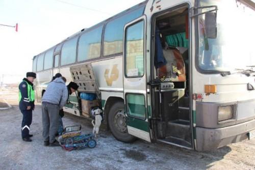 """В ВКО водители маршрутных автобусов незаконно """"прокачали"""" своих железных коней"""
