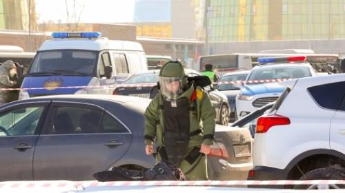 Полицейские оцепили участок в центре левобережья Астаны