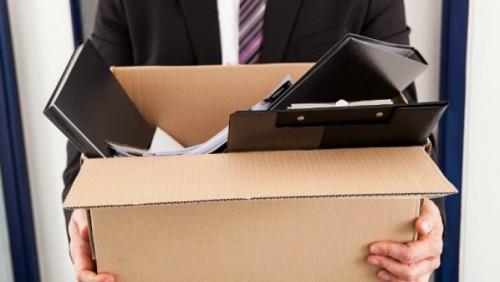 Кому положена выплата по потере работы и как ее получить?
