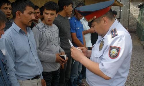 Почти 240 иностранцев задержаны миграционной полицией в ВКО