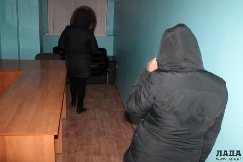Родственникам задержанных в Актау «ночных бабочек» планируют отправлять видео с признаниями о занятиях проституцией