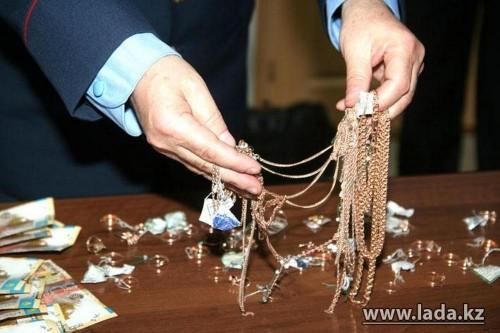 Актау вошел в тройку городов с самыми дорогими золотыми украшениями