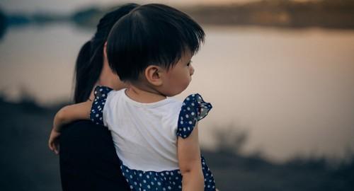 Многодетная семья готова удочерить избитую пятилетнюю девочку из Астаны
