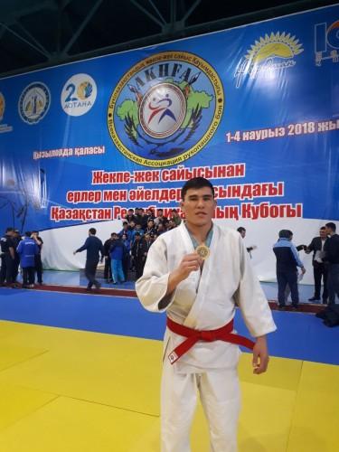 Актюбинский полисмен взял золото по рукопашному бою