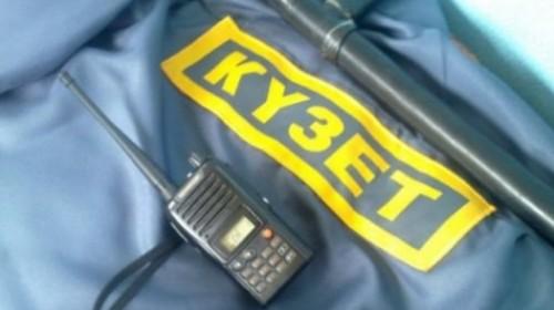 Работника охранной фирмы нашли мертвым в служебном авто в Актобе