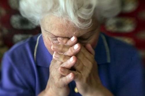 В Актобе внук ограбил родную бабушку