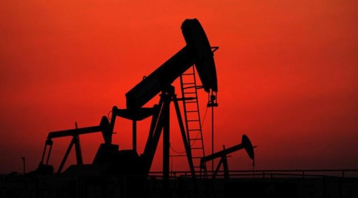 Жертвами пожара нанезаконной нефтяной скважине вИндонезии стали 10 человек