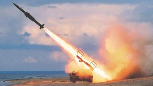 Удар США по Сирии: в Сети появилась видеозапись перехвата ракеты «Томагавк»