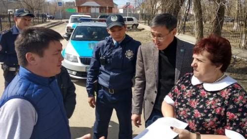 Жителям Уральска запретили защищать арестованную беременную женщину