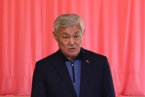 Бердыбек Сапарбаев призвал сельскую молодежь заниматься животноводством