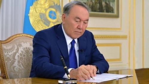 Назарбаев подписал поправки по вопросам занятости и миграции населения