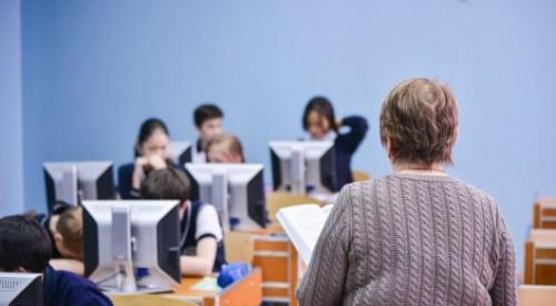 О поборах в школах высказался помощник Шпекбаева
