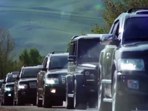 Жители Бишкека просят премьера отказаться от кортежа и не перекрывать трассу