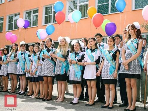 Названа единая дата выпускных в школах Казахстана