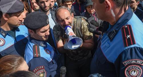 Лидер протестного движения готов стать премьером в Армении