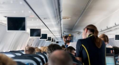Двух пьяных индийцев сняли с рейса Алматы - Дели