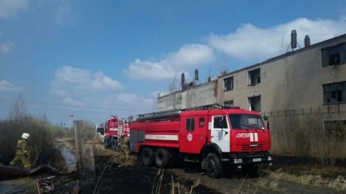 В Петропавловске на территории завода начался пожар