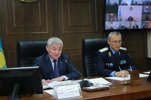 По районам Актюбинской области ездят теологи, медики и бизнес-консультанты