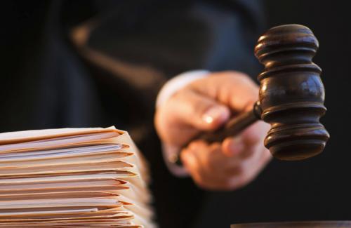 В Актобе обвиняемый в пропаганде терроризма назвал свидетеля «мышью»