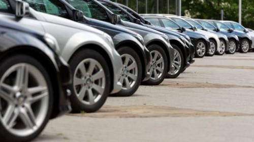 Автолюбители Казахстана покупают машины старше 10 лет