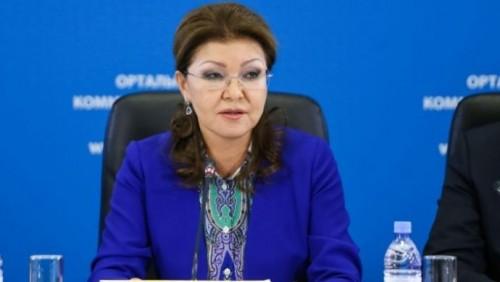 Назарбаева предложила разработать для учителей и врачей отдельную ипотечную программу