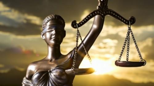 Прокурора судят за покровительство преступникам и связь с хозяйкой притона в Алматы