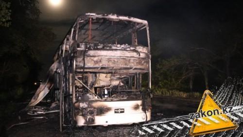 В Алматинской области дотла сгорел пассажирский автобус