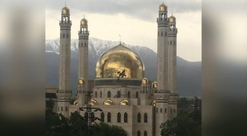 Мечеть пострадала от сильного ветра в Алматы