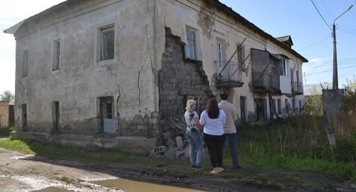 Власти Петропавловска об обрушившемся доме: жильцы должны были делать ремонт сами