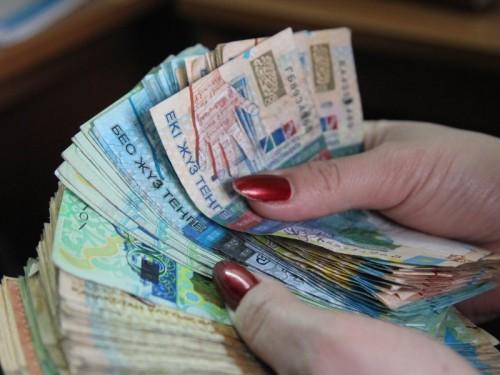 Большому ребенку тоже надо: как платят алименты на 18-летних в Казахстане