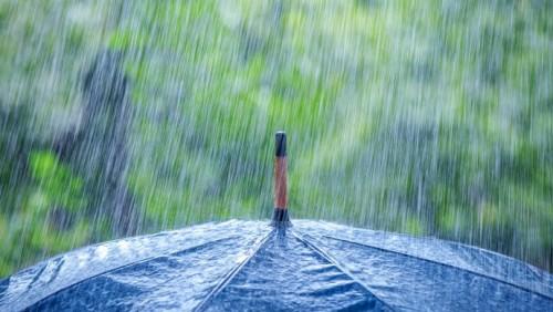 Дожди с грозами обрушатся на казахстанцев