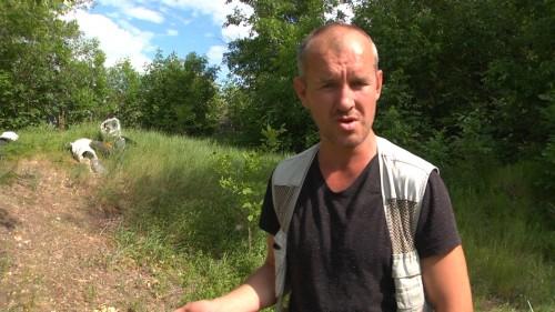 В Уральске парень-активист пытается в одиночку очистить лес от мусора (ВИДЕО)