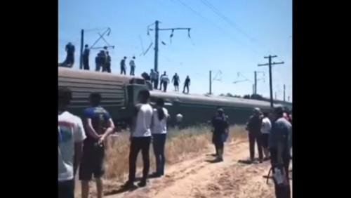 Пассажирский поезд сошел с рельсов в Жамбылской области