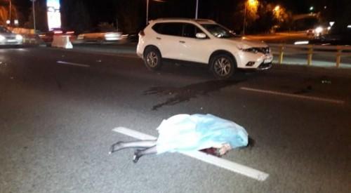 Женщина-водитель сбила насмерть девушку на Аль-Фараби в Алматы