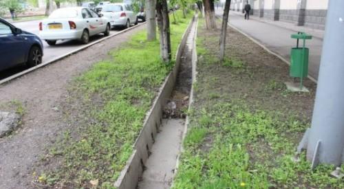 Тело 26-летней девушки нашли на проспекте Аль-Фараби в Алматы