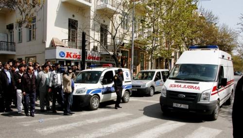 Двое полицейских погибли при разгоне акции протеста в азербайджанском городе Гянджа