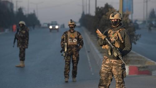 В Афганистане напавшие на здание департамента образования взяли заложников