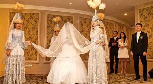 Ученые назвали неожиданную опасность дорогих свадеб