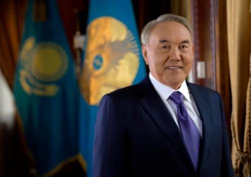 Нурсултан Назарбаев дал высокую оценку подарку туркестанцев к юбилею столицы