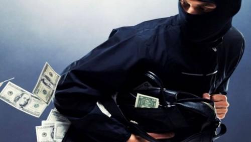 В Костанае лжекоммунальщики с электрошокером хотели ограбить женщину