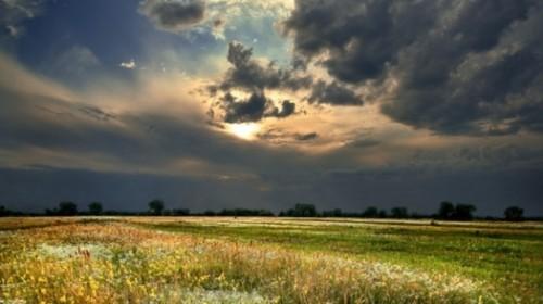 Гроза и сильная жара: в четырёх областях Казахстана объявлено штормовое предупреждение