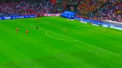 Команда побежала отмечать гол и пропустила в пустые ворота
