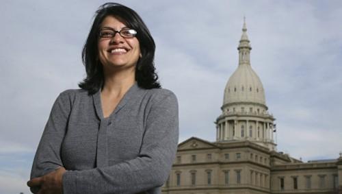 Женщина-мусульманка впервые может стать конгрессменом США, сообщили СМИ