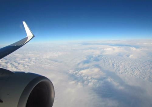 Работник угнал самолёт из аэропорта Сиэтла и разбился (ВИДЕО)