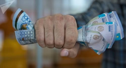 Казахстанский тенге замедлил падение после укрепления рубля
