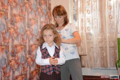 Казахстанцы скидываются на жилье Дюймовочке из Актобе