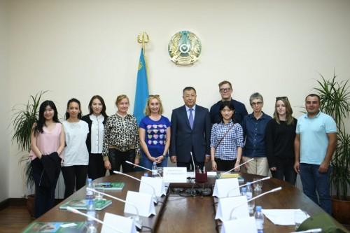 Журналисты из семи стран прибыли в Туркестан