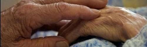 В Актау по обвинению в убийстве 78-летней бабушки на скамью подсудимых попали ее сын и сноха